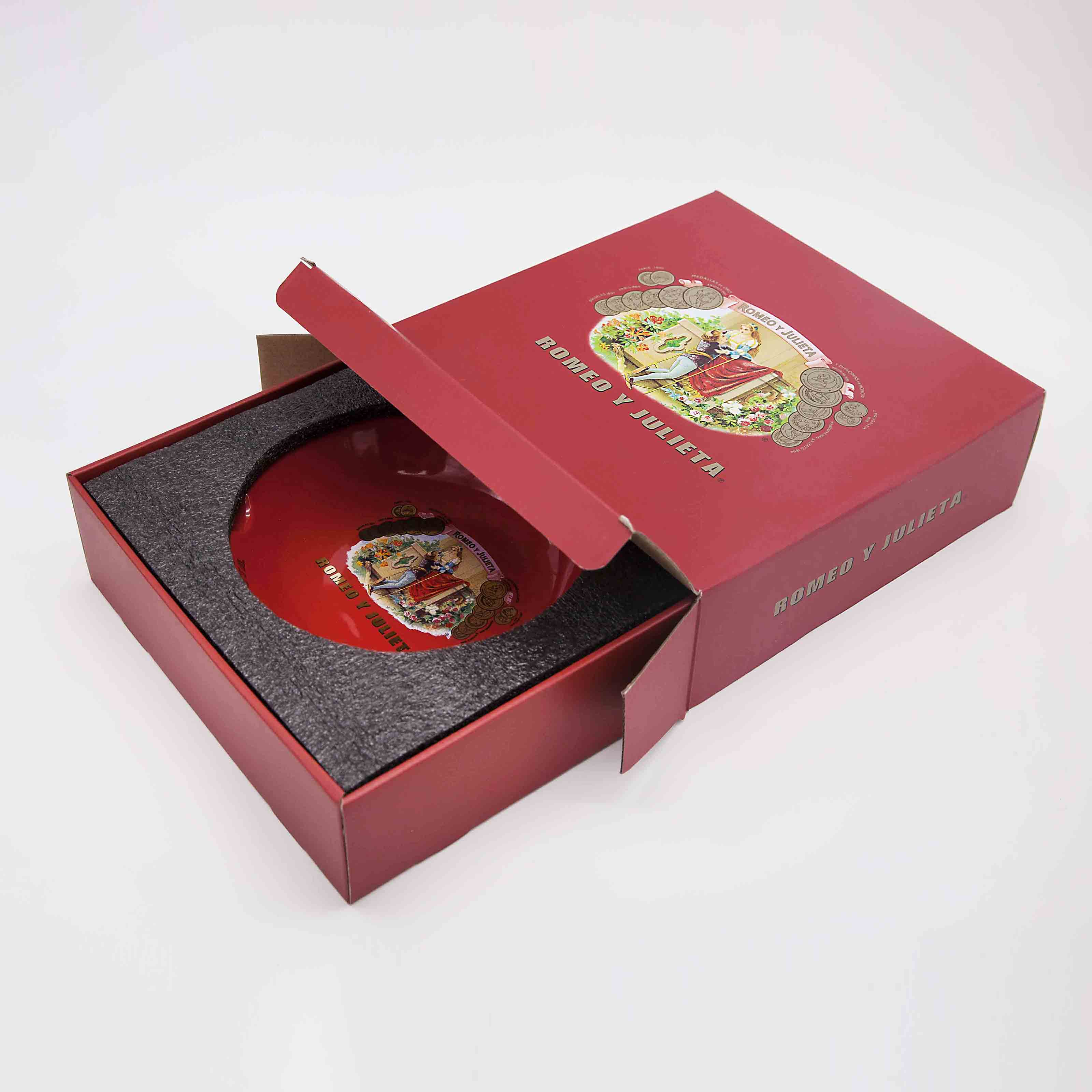 Custom Packaging - Ashtrays - Romeo y Julieta